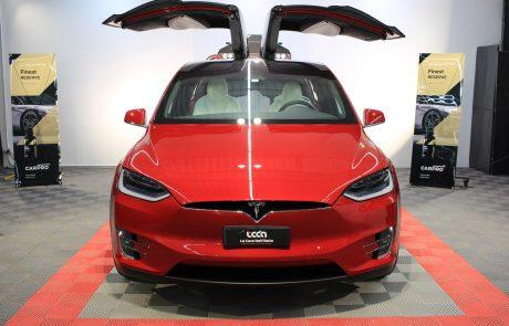 Tesla Model X trattamento nanotecnologico